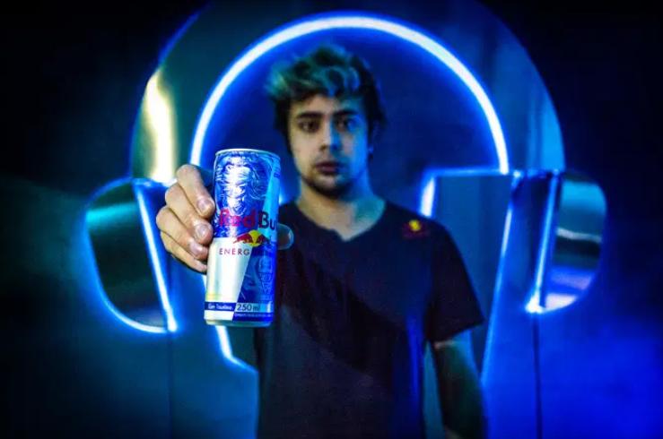 Red Bull faz campanha com League of Legends e premia jogadores em promoção